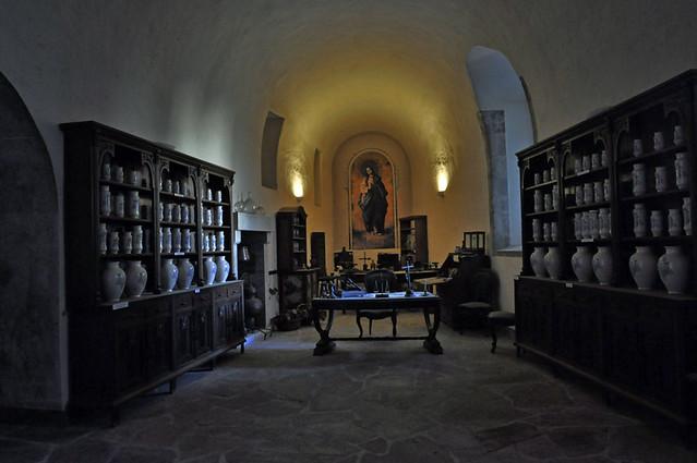 Mosteiro Samos(botica)-Monastery Samos (pharmacy)