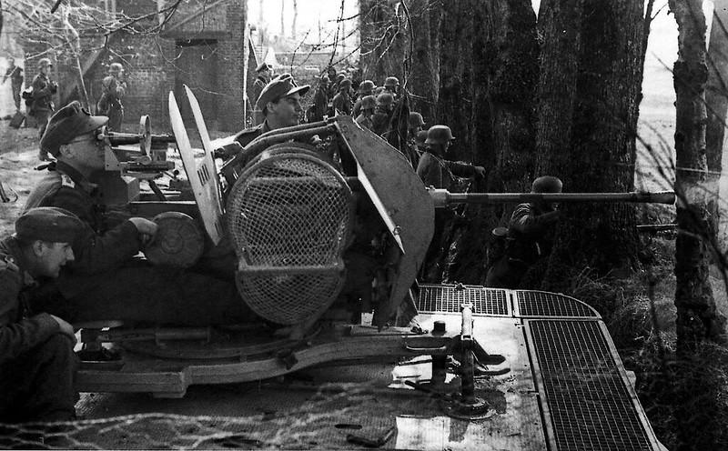 2cm Flak 38 auf Sonderkraftfahrzeug 105 im Einsatz