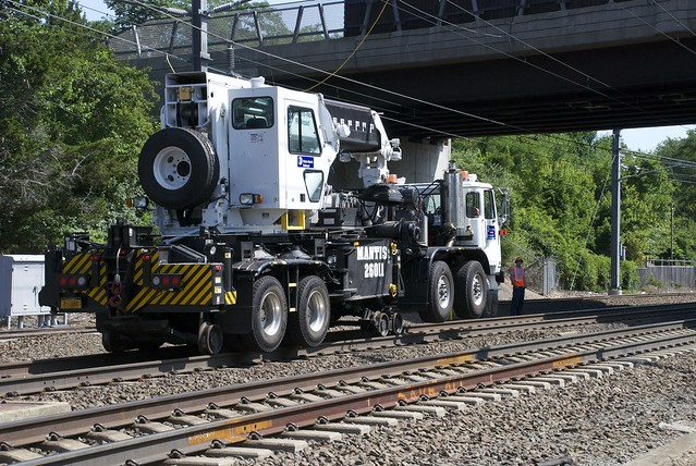 Metro North Hirail Crane