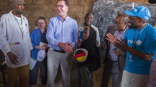 Bundesminister Dr. Gerd Müller visits Waaf Dhuug Temporary Settlement Site in Somali Region of Ethiopia | by UNICEF Ethiopia