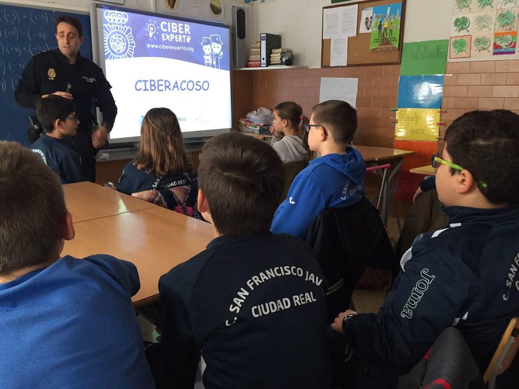 Ciberexperto: Ciberseguridad para menores en varios coles de España