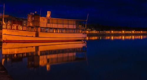 ny pier boat finger lakes skaneateles