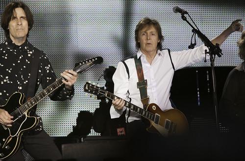 Paul McCartney - Out There Concert   140420-5923-jikatu   by jikatu