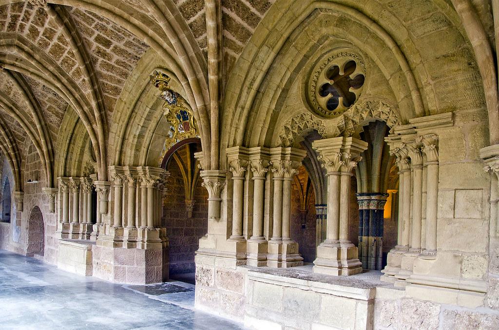 Resultado de imagen de sala capitular monasterio piedra