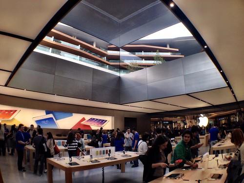 Apple Store Zorlu Center - Istanbul / Turkey