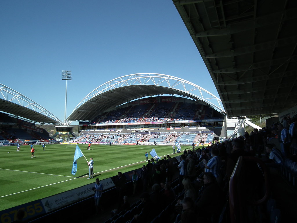 John Smith's Stadium - Noordoost tribune