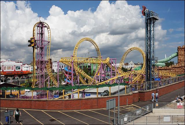 Adventure Island rollercoaster, Southend-on-Sea (7/14 jr08)