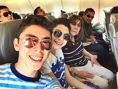 Selfie familiar en el vuelo de regreso de La Paz a Mexicali.