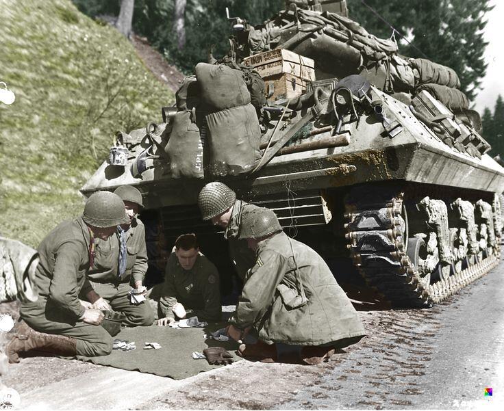 米10坦克歼击车乘员玩掷骰子