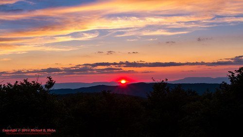 sunset usa geotagged virginia unitedstates hiking backpacking troutdale pinemountain fairwood mountrogersnationalrecreationarea canon7d sigma18250mmf3563dcmacrooshsm geo:lat=3666916667 geo:lon=8151241764