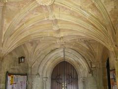 918k Entrance to Long sutton church