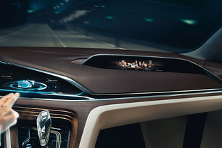 15 BMW-2014-Vision-FL-INT-07-DET