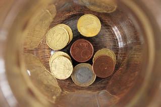 Money | by nikkibuitendijk