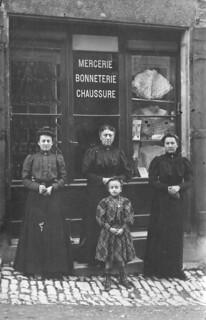 Mercerie de Mme Dodin à Orgelet vers 1910