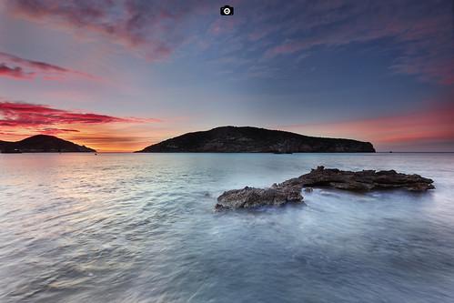 isla island sunrise amanecer colores colours colors red blue rojo azul mar sea seascape marmediterraneo mazarron murcia paisaje landscape longexposure largaexposicion canon1022 canon80d