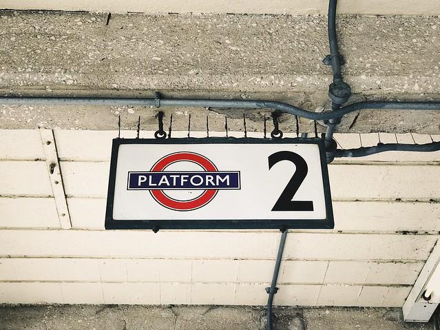 Rayners Lane: Platform 2