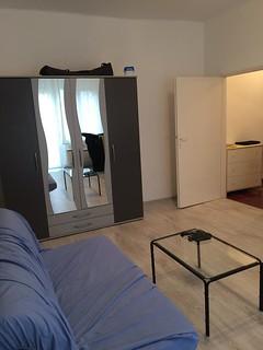 2 emeletes tégla építésû házban, II. emeleti, 36 nm-es, 1 szobás, erkélyes, világos lakás eladó