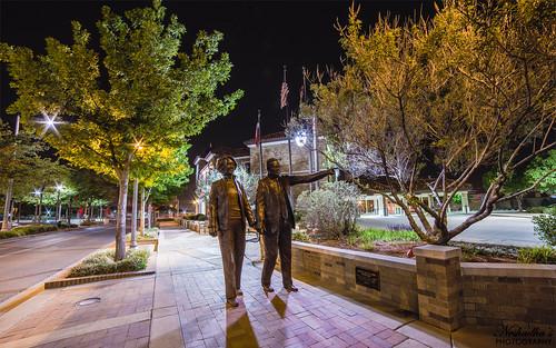 statue tom night canon carolyn texas tx sidewalk avenue knapp mcdougal lubbock glenna 6d goodacre delbert perera neshadha