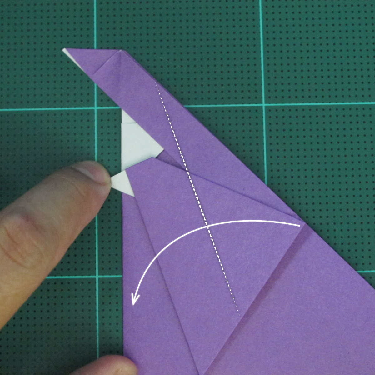 การพับกระดาษเป็นรูปแม่ชี (Origami Nun) 007