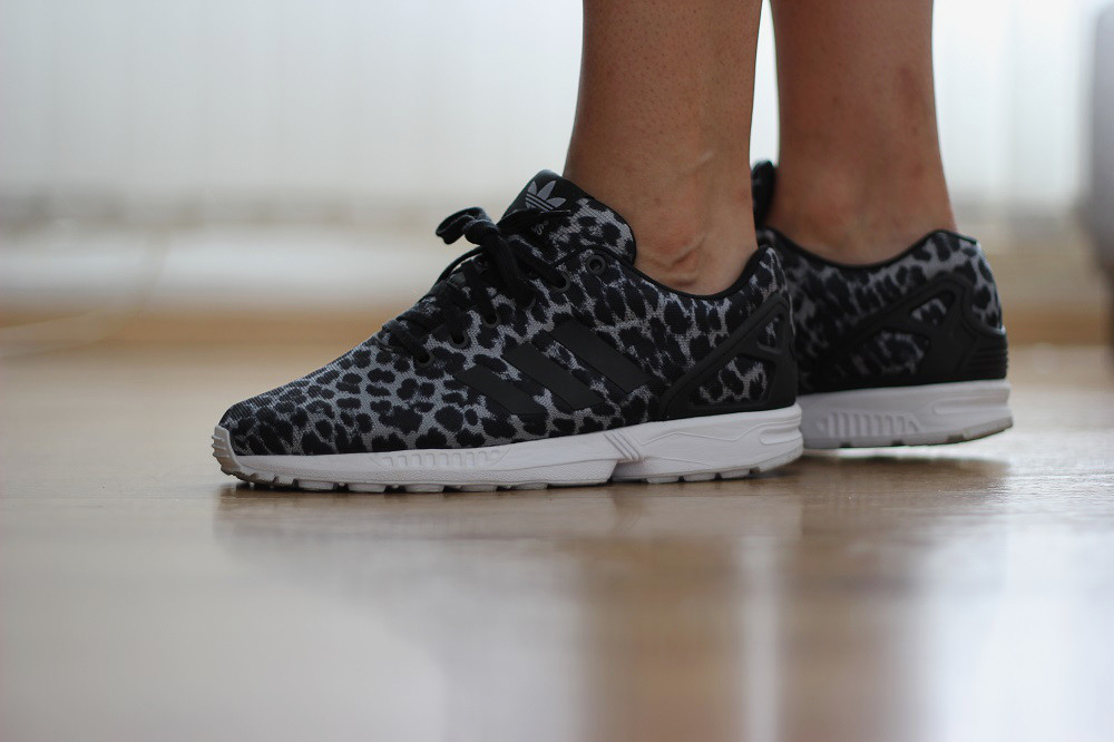 buy online 75b76 da512 ... Adidas ZX Flux