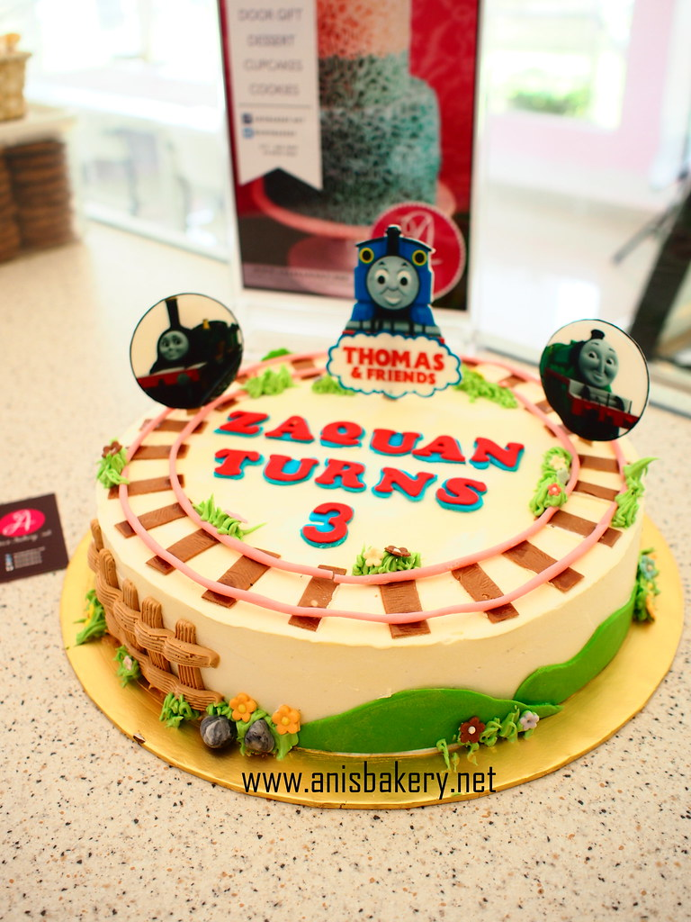 Sensational Thomas And Friends Birthday Cake Anisbakery Net Flickr Funny Birthday Cards Online Fluifree Goldxyz