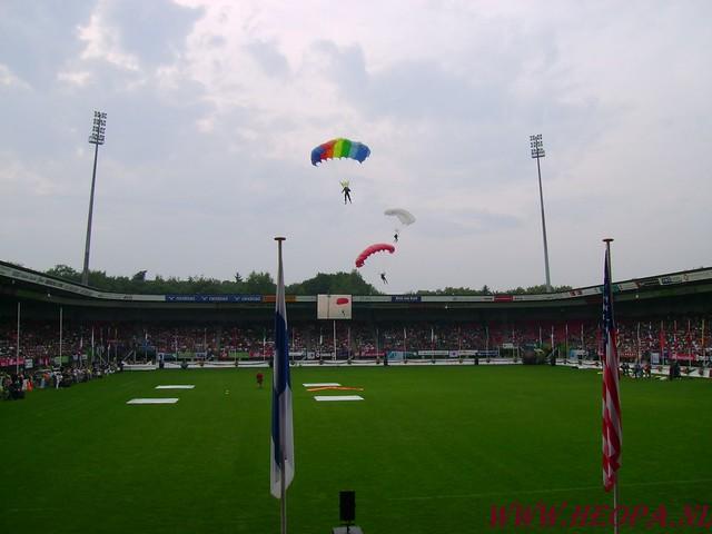 2007-07-16 Startbewijs op halen en vlaggen parade. (50)