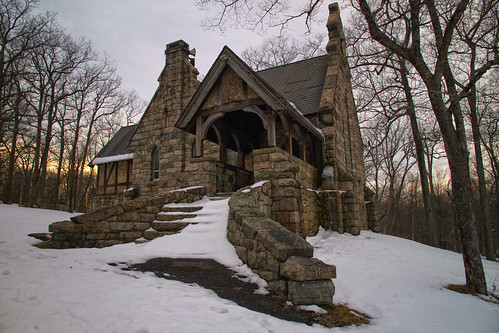 saint luke church alfredleeloomis jpmorgan history newjersey newyork ringwood statepark snow winter cold wind sunset evening stone construction architecture