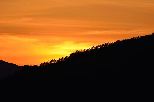 silhouette silhouettes silhouettedmountain mountainsilhouette sunset sunsetcolors sunsetpoint sunsetsky sunsetinhimalayas winter landscapes minimalist uttarakhand almora travel travelinhimalayas india