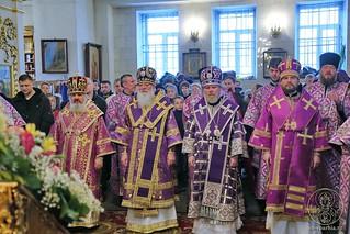 Литургия в Покровском соборе 155