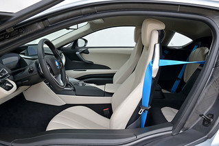 BMW-2014-i8-Int-03