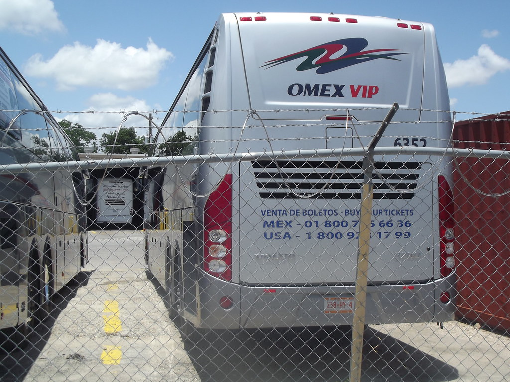 OMEX VIP Volvo 9700 | At the Omnibus Mexicanos/Express termi… | Flickr
