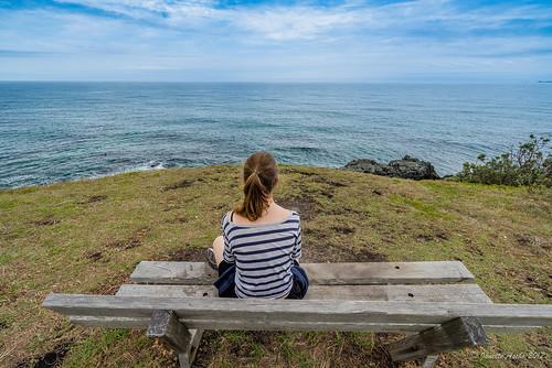 2016 australia diggerscamp nsw newsouthwales yuraygirnationalpark coastal boorkoom bench seat ocean lookout view benchmonday hbm girl sitting