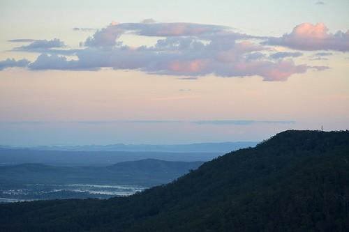 landscape dawn queensland sequeensland albertvalley australianlandscape australianmountains fog mist valley sky sunrise australia clouds morning winter morninglandscape countryside cloudy mounttamborine