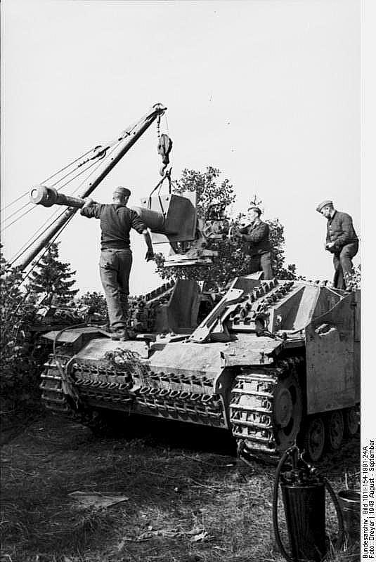 Sturmgeshütz III Ausf. F having its 75mm StuK 40 L/43 replaced