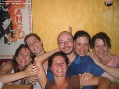 sam, 2006-07-15 19:48 - IMG_9668-Nathalie Isabelle Isabelle Alexandre Sonia et Brigitte-il fait chaud