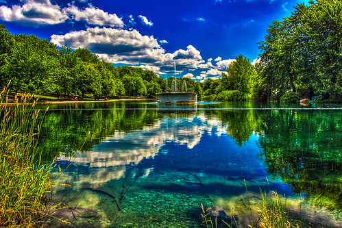 park blue summer green clouds canon reflections day turquoise vert jour bleu été nuages parc parclafontaine hdr lafontaine partlycloudy 2014 réflexion réflexions partiellementnuageux