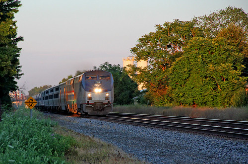 amtrak csx lakeshorelimited sunrisephotography painesvilleohio p42dc amtraktrains amtrakp42locomotives csxeriewestsubdivision amtrakslakeshorelimited amtrakp42no193