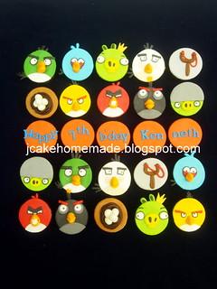 Angry Bird cupcakes 愤怒的小鸟杯子蛋糕