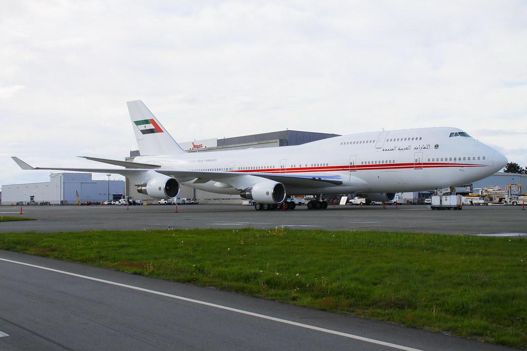 DubaiAirWing_A6-COM