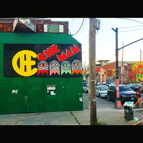 Che-Man in @thebushwickcollective in Brooklyn! #CheMan #Vivache #VivaCheMan. Great to meet Joe! #Painting #StreetArt | by VIVACHE