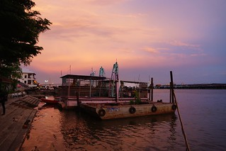 Evening and sunset on the Chao Phraya river in Bangkok, Thailand | by UweBKK (α 77 on )
