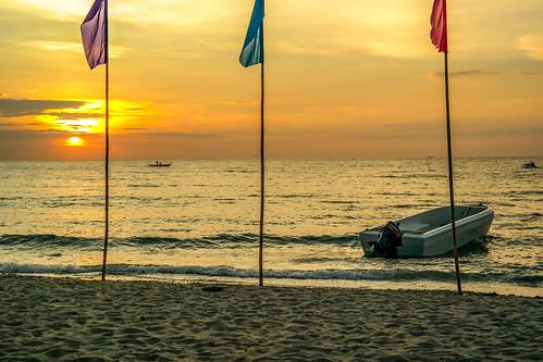 sunset beach island pinoy puertogalera