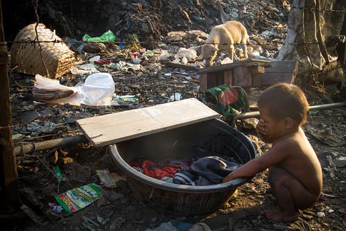 Evening Wash, Tondo   by AdamCohn