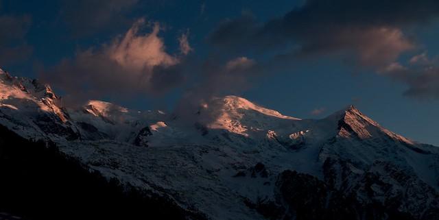 Le soleil salue le Mont Blanc Sun says good-bye to Mont Blanc