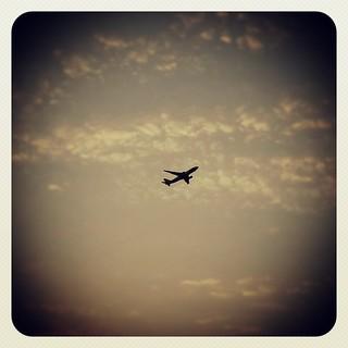 Triste como el final del verano, perdido como los días sin luz,   by Pedro Baez Diaz @pedrobaezdiaz