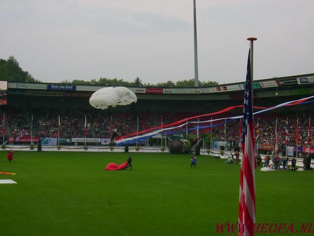 2007-07-16 Startbewijs op halen en vlaggen parade. (52)