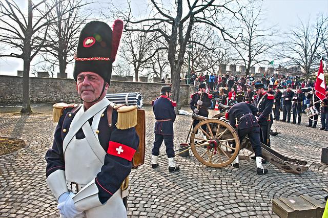 La traditionnelle marche commémorative du 1er Mars entre Le Locle et le Château de Neuchatel.1 Mars 2013. No. 3946.