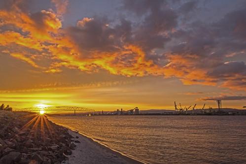 sunset columbiariver rainieroregon