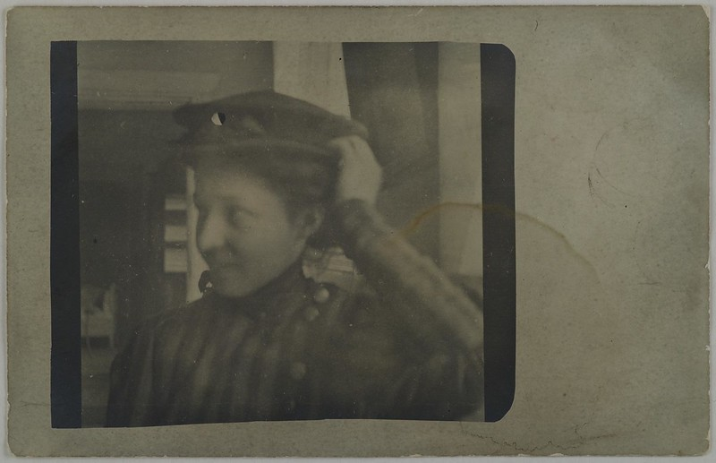 Anna Slöör, Mary Gallen-Kallela´s sister, wearing a hat.