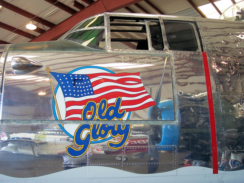 B-25J Mitchell Old Glory 12